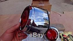 Nos 1961 Dodge Upper Queue Léger Emballage D'origine Mopar Paire D'accessoires